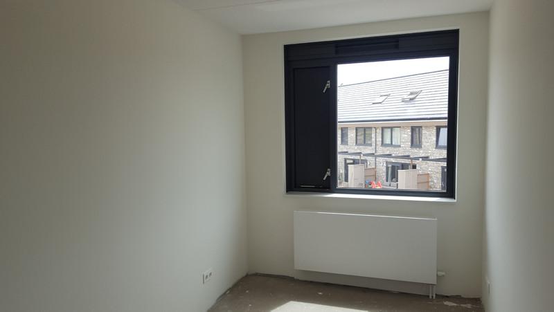 Vliesbehang aanbrengen in woning almere referentie for Renovlies behang aanbrengen